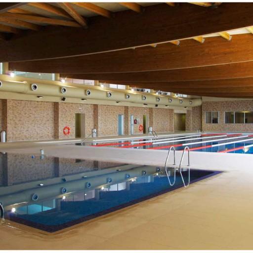 Gimnasio y piscina en cuenca termalia sport for Gimnasio y piscina